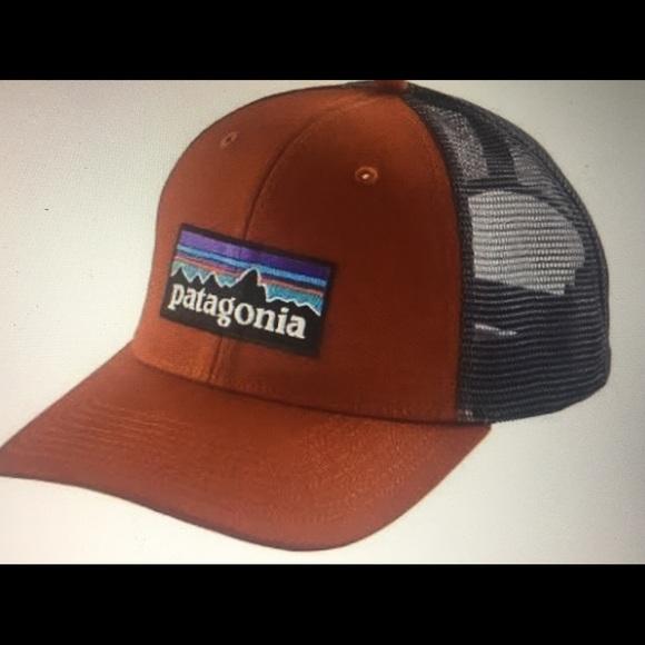 Patagonia mid crown p-6 logo trucker hat NWT